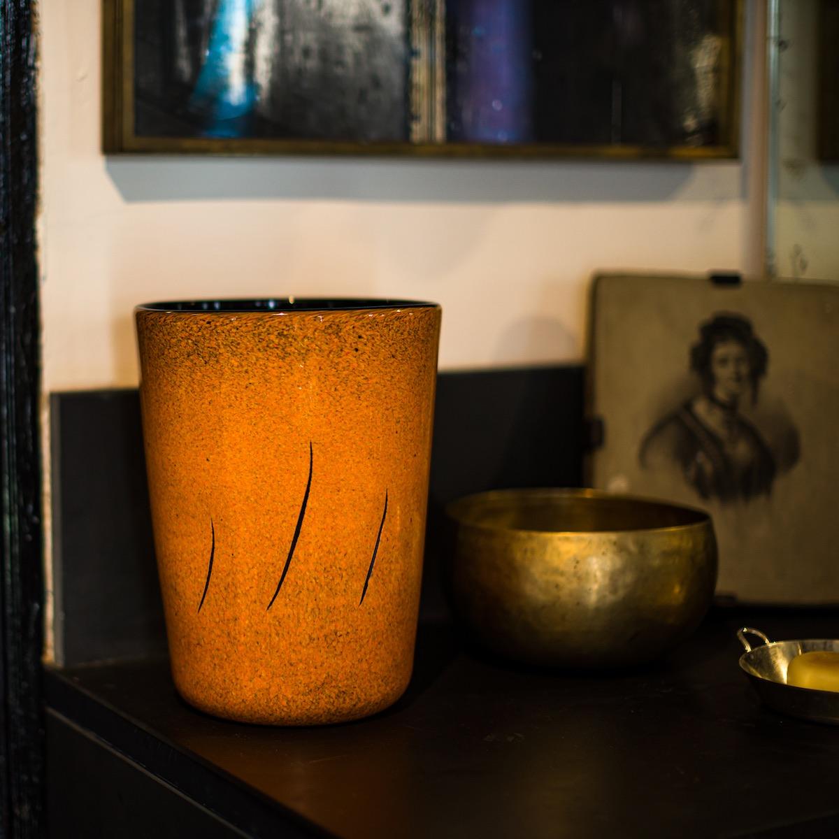 fontana-vase-orange-elegant-murano-deisgner-hermes