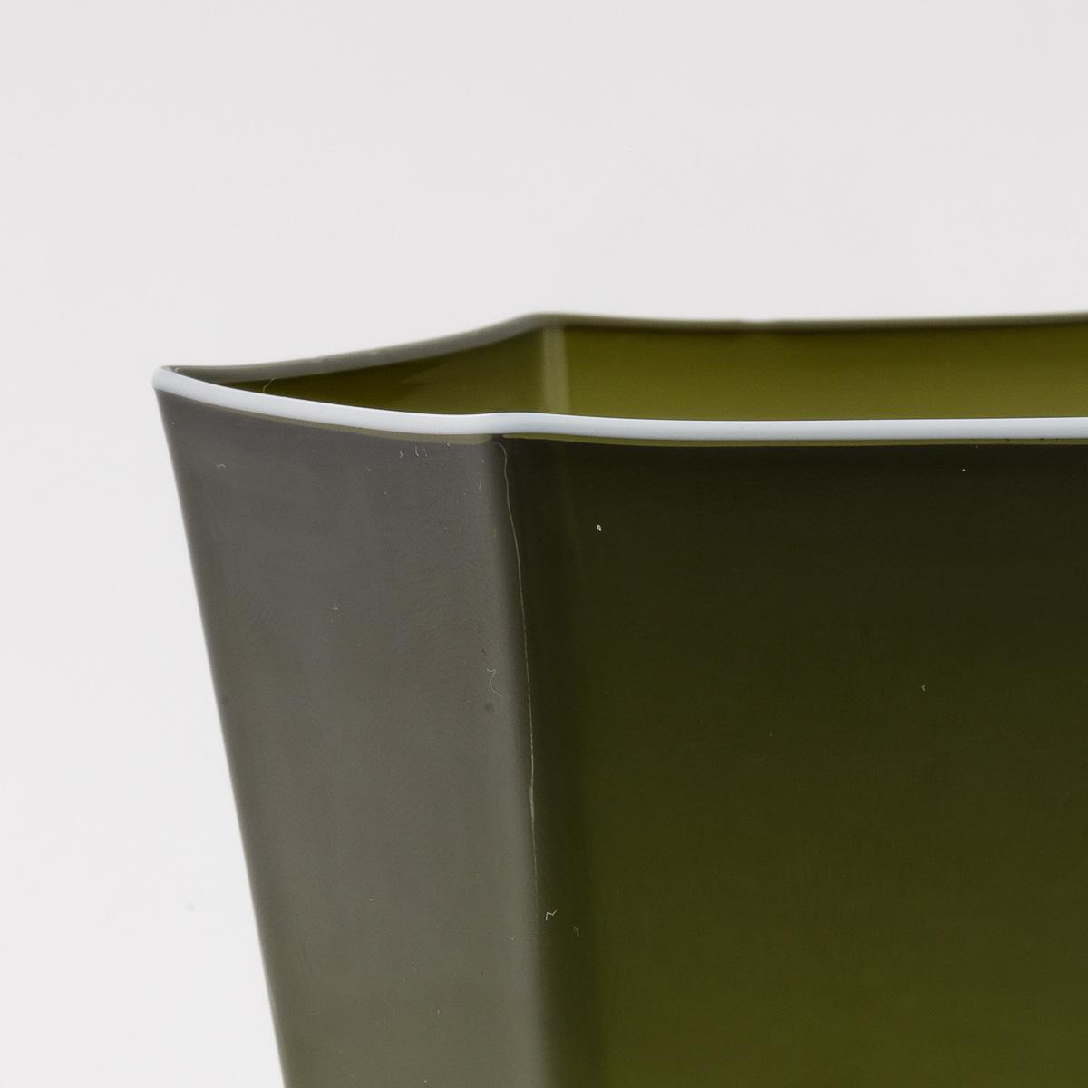 laguna-glass-green-white-rim-giberto-handmade-murano-wine-luxury