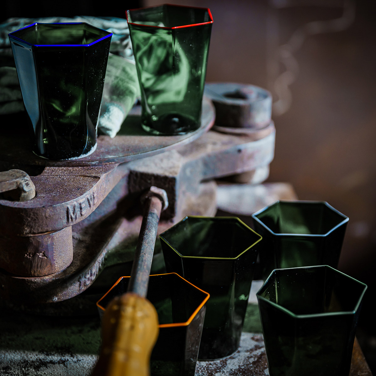 laguna-glass-green-yellow-rim-giberto-handmade-murano-water