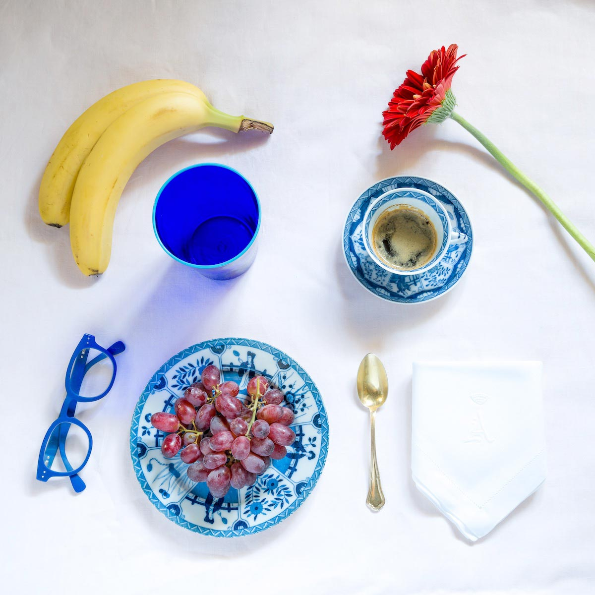 mare-beach-glasses-glass-water-sea-perfect-luxury-sand-beachhouse-house-blue-murano-handmade-designer