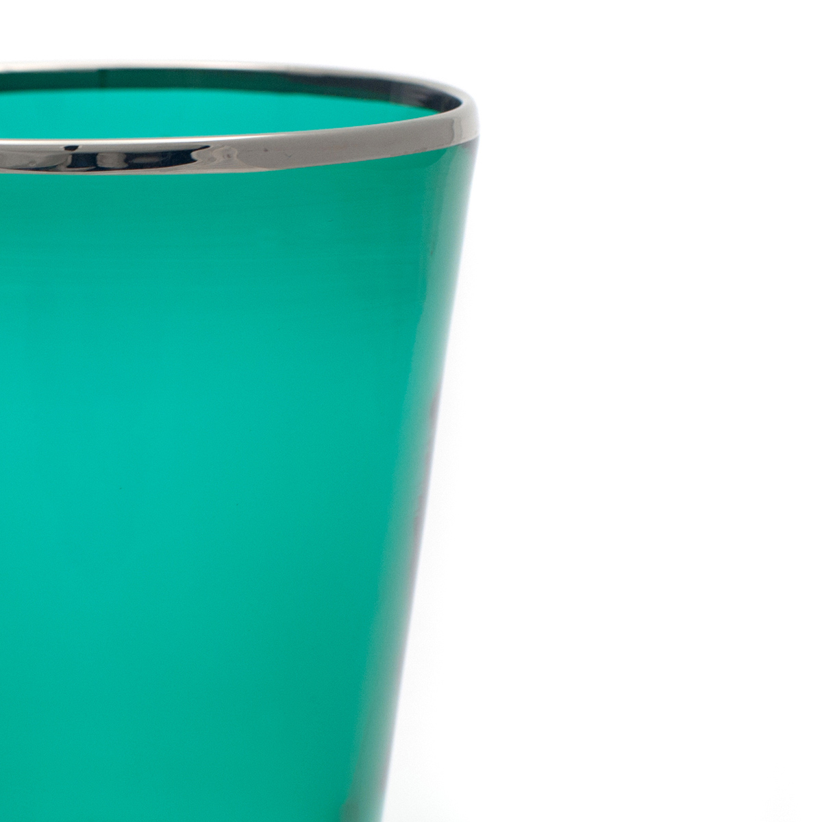 vaso_glass_wine_murano_platinum_rim_design_giberto_handmade_green_detail